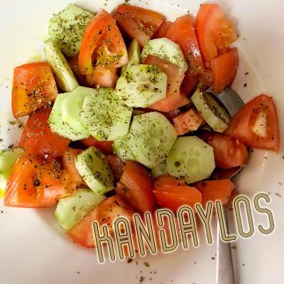Αγγούρι – ντομάτα (ελαιόλαδο)